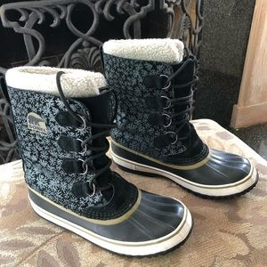 Sorel Caribou Snowflake Waterproof Boot Sherpa
